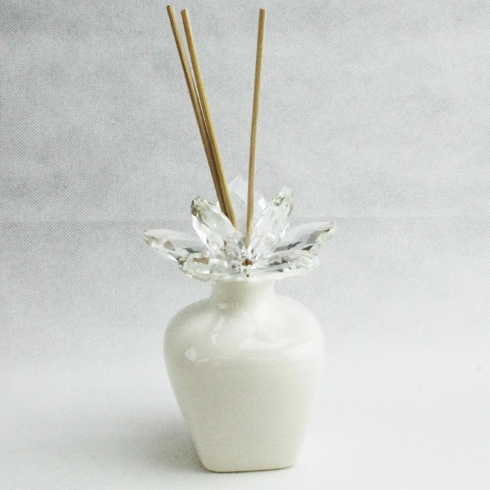 Bomboniera Profumatore in ceramica bianca con Fiore in Cristallo