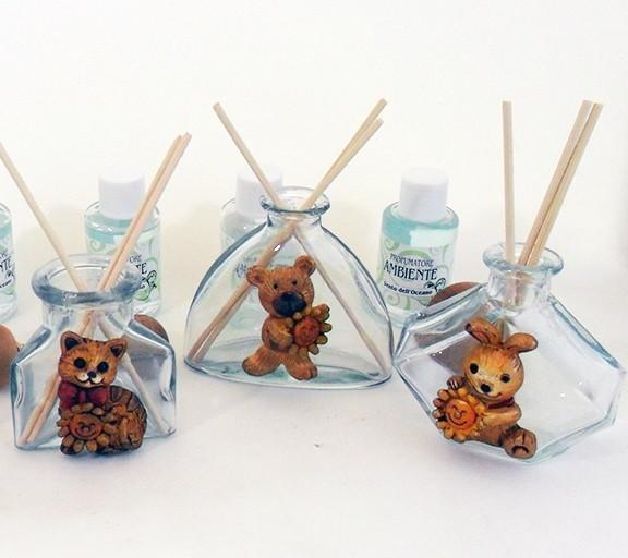 Profumatori in vetro con animali assortiti in resina