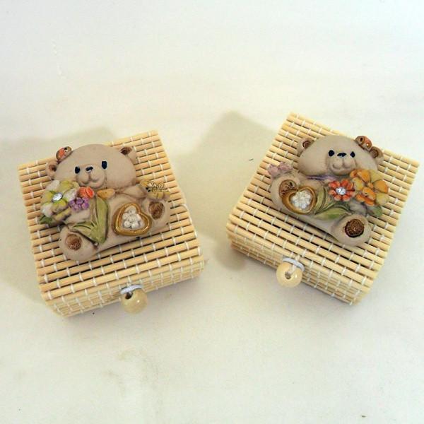 Scatoline in bambu con orsetti in resina