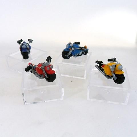 Scatoline in plastica con moto in resina