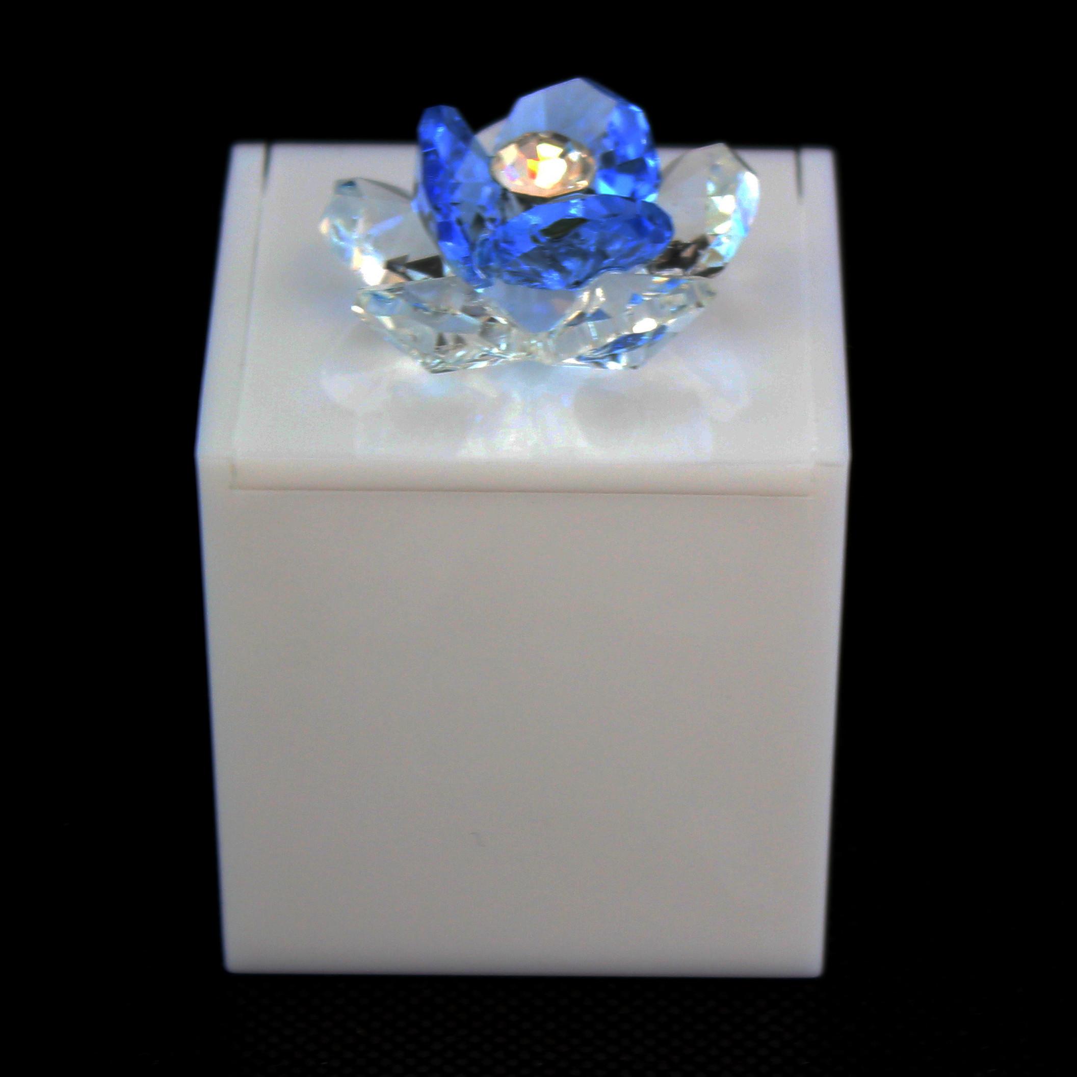 Scatolina in plexiglass bianco con fiore in cristallo_Azzurro