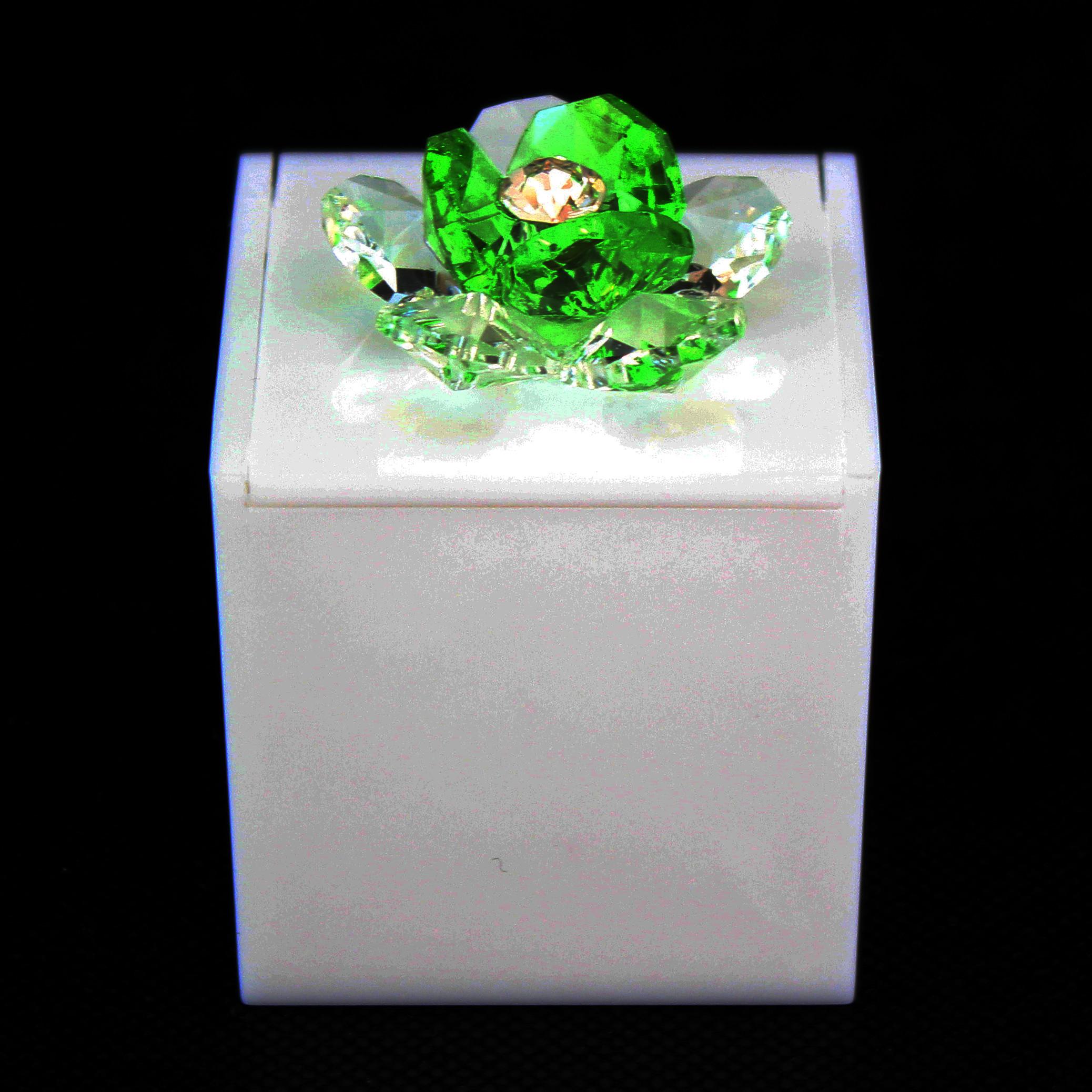 Scatolina in plexiglass bianco con fiore in cristallo_Verde