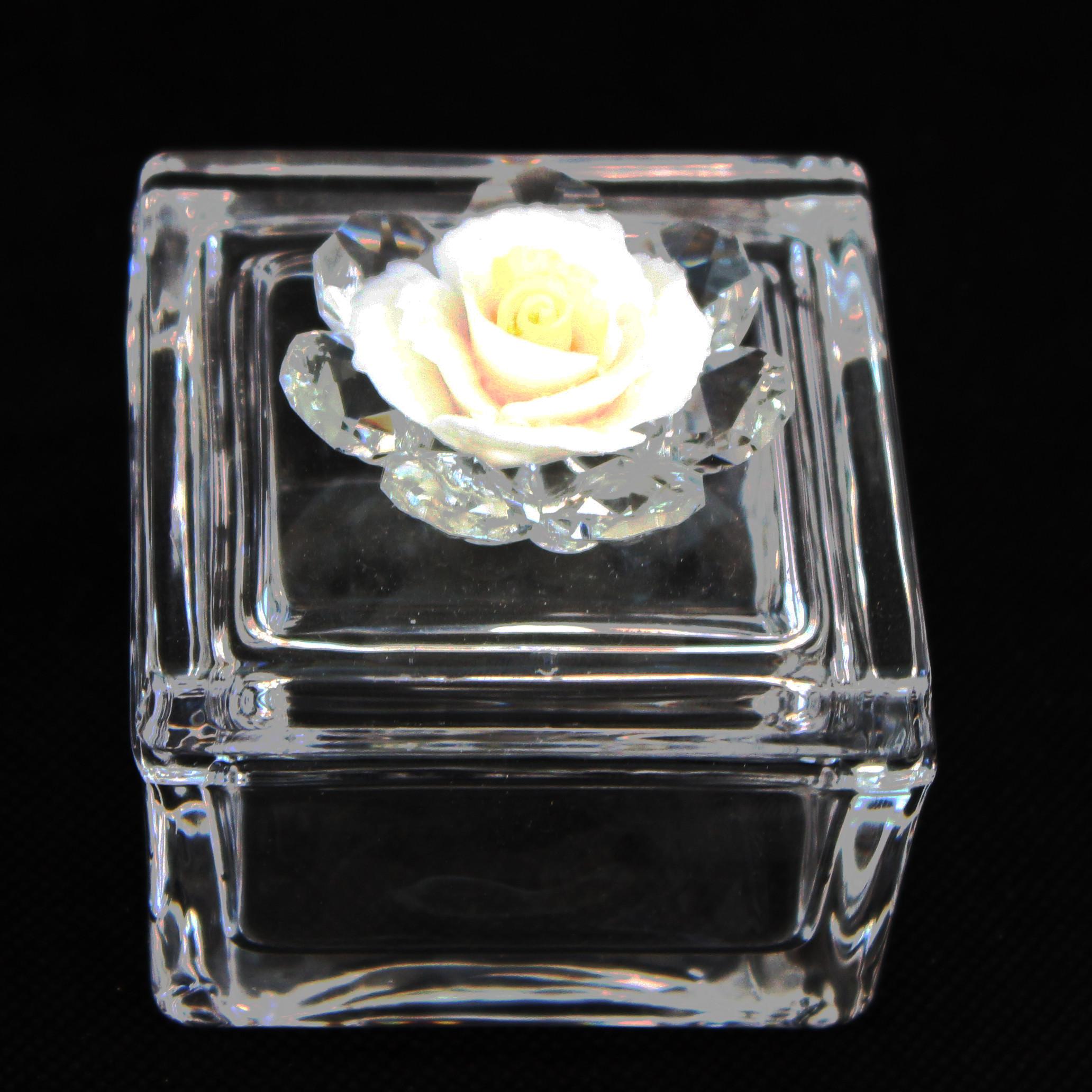 Scatola portagioie in vetro con Fiore in Porcellana