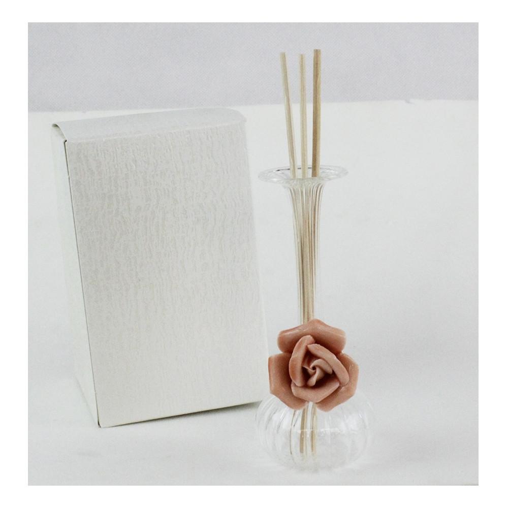 Diffusore-Profumatore-con-Fiore-Rosa-in-Ceramica-Bottiglia-in-vetro-soffiato-AmbientiDiffusore-Profumatore-con-Fiore-Rosa-in-Ceramica-Bottiglia-in-vetro-soffiato-Ambienti