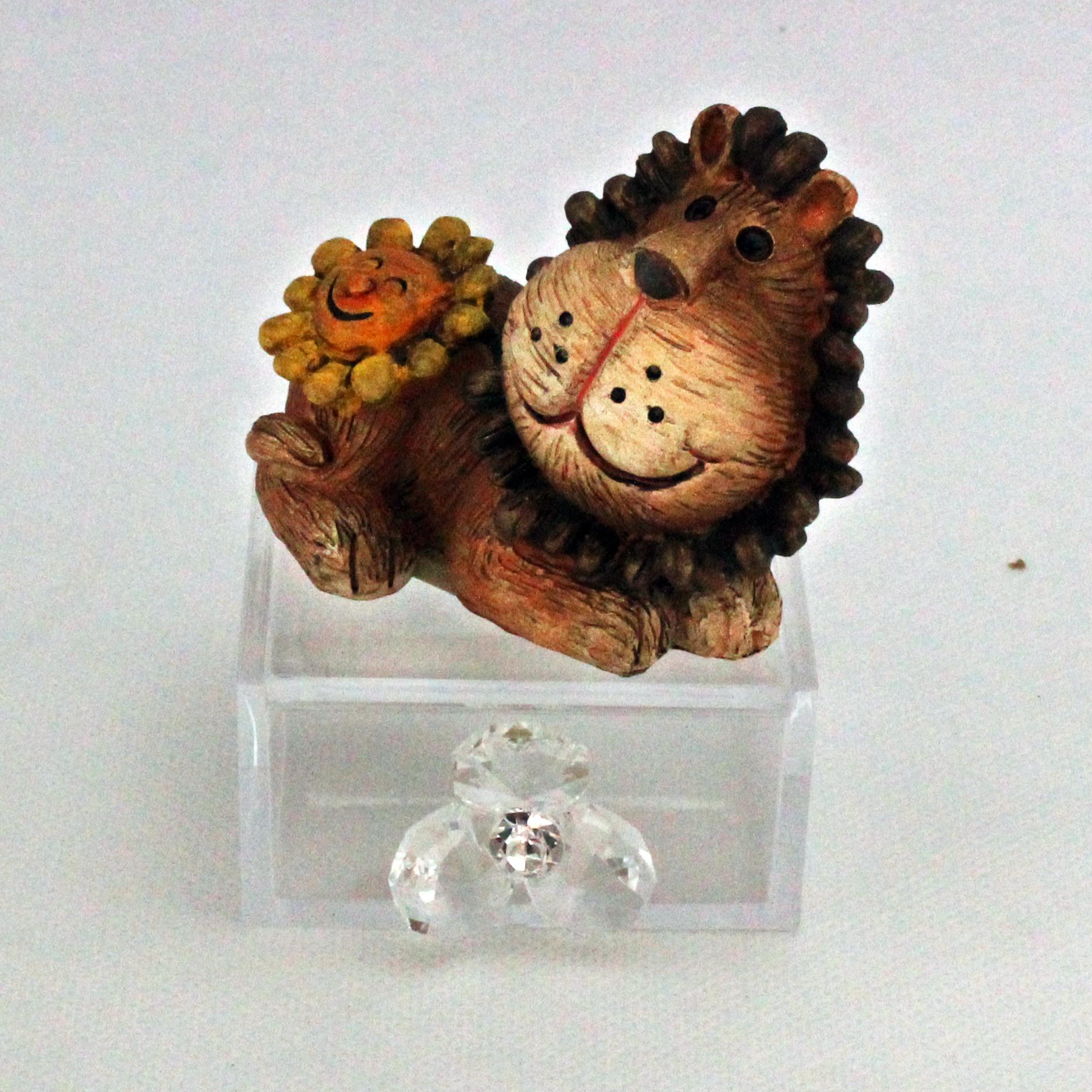 Scatoline in plastica con animaletti in resina e fiore in cristallo