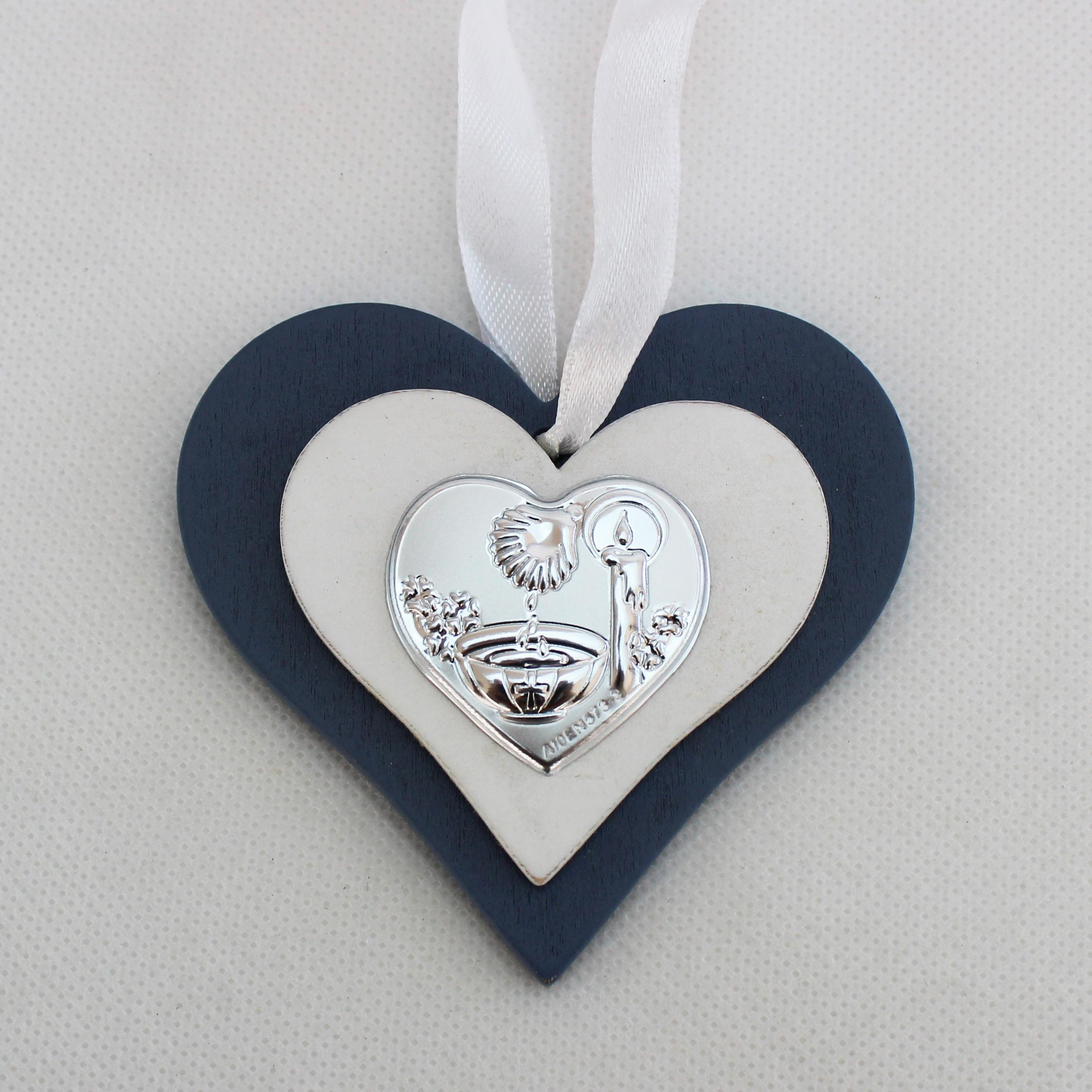 Icona cuore in legno con fonte battesimale con scatola