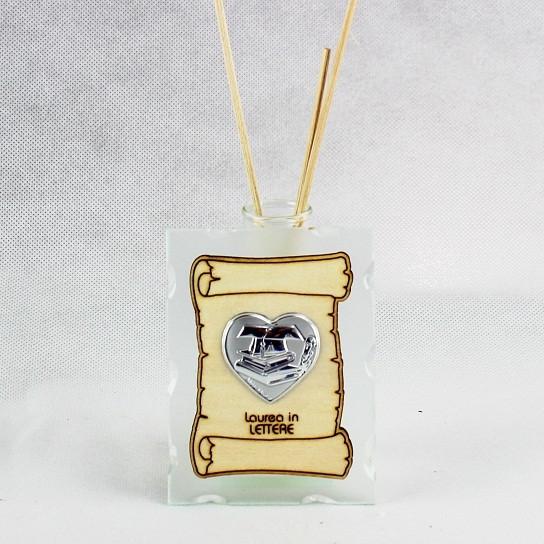 Profumatore in vetro con Pergamena e Piastra Cuore Laurea in Lettere