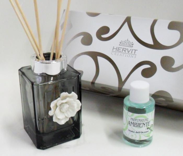 Profumatore Hervit con fiore in ceramica, completo di scatola