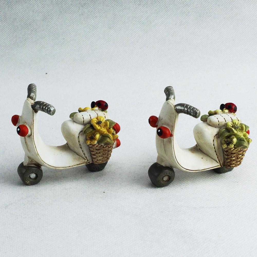 Veicoli Vespa Vespetta Moto Motorino in ceramica con Fiori