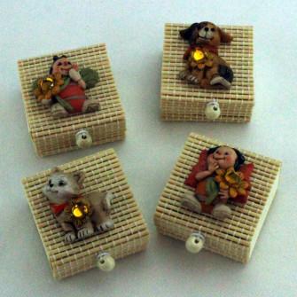 Scatoline in bambu con animaletti assortiti