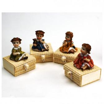 Scatolina per confetti in bambù con Bambine Bimbe in resina Battesimo Comunione Confettata Segnaposto