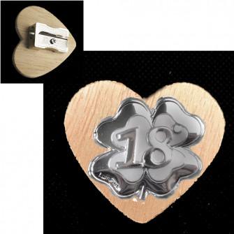 Temperamatite Cuore in legno Quadrifoglio Portafortuna 18 Diciottesimo Compleanno Temperino Confettata
