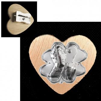 Temperamatite Cuore in legno Quadrifoglio Portafortuna Santa Cresima Segnaposto Temperino Confettata